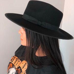 ✨NEW✨Born To Be Wild   Wool Fedora Hat Black &Gray